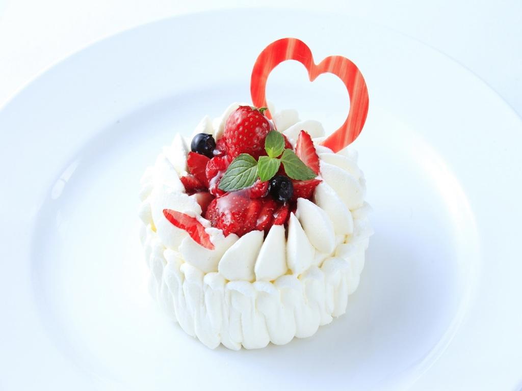 お祝いに欠かせないホールケーキ ※イメージ