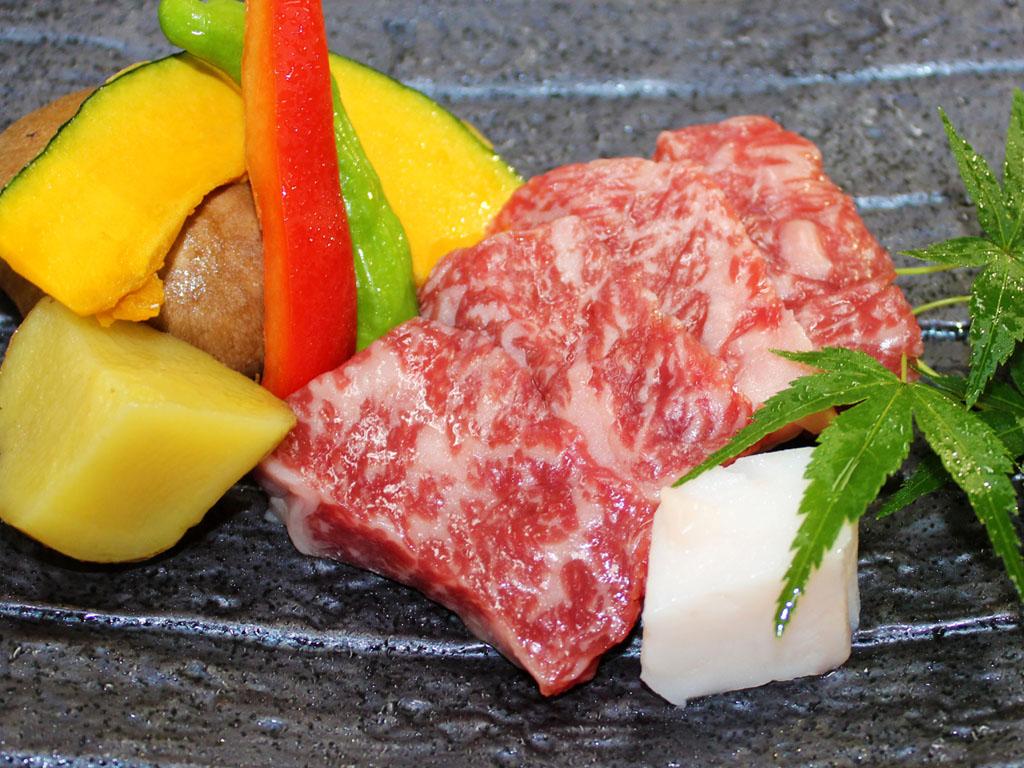 群馬県のブランド牛「特選上州和牛」をステーキで