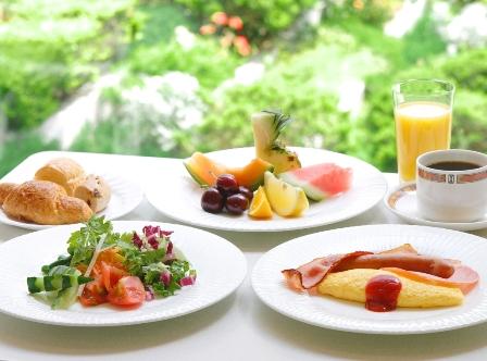 朝食は和洋バイキング(7:00〜10:00)※イメージ