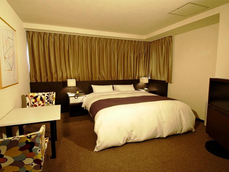 EAST スタンダード【夜景側】203号室(客室一例)