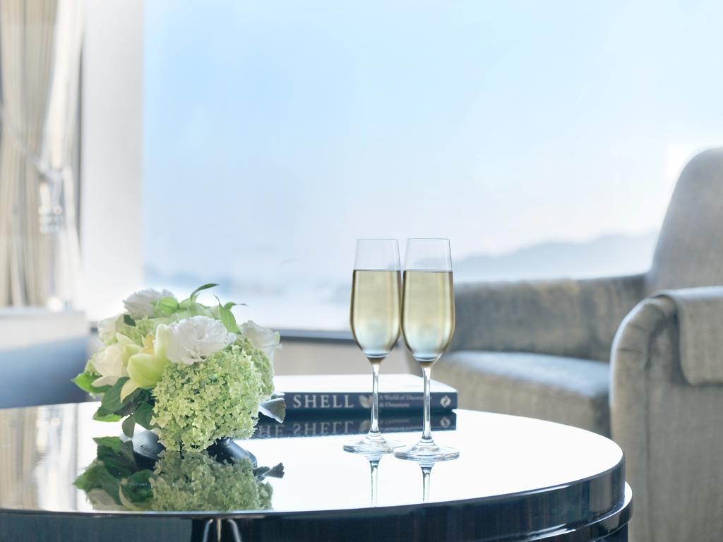 シャンパン(ハーフボトル)1本をご用意 ※お部屋にお届け、またはご夕食時にご用意いたします。