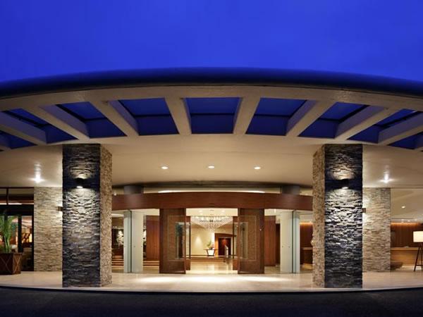 11月3日開業50周年を迎えます「HOTEL NEMU」エントランス