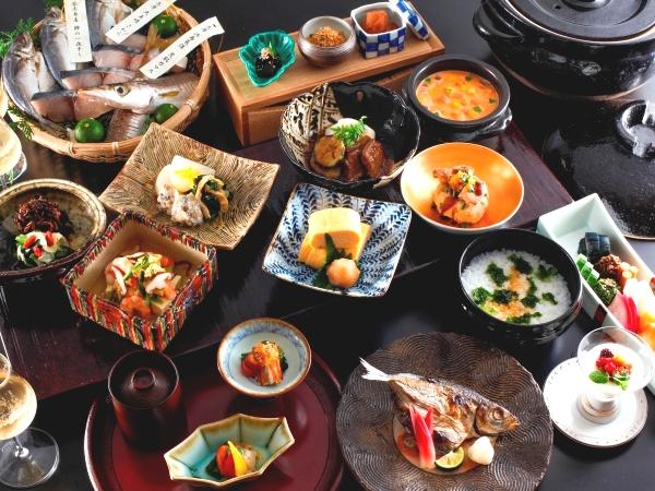 【朝食】 和朝食 (※写真の料理は3名様用です)