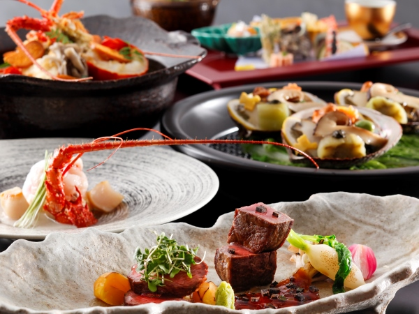 【ご夕食】 特別懐石「月懐石」 ※写真は11−12月のお料理イメージとなります