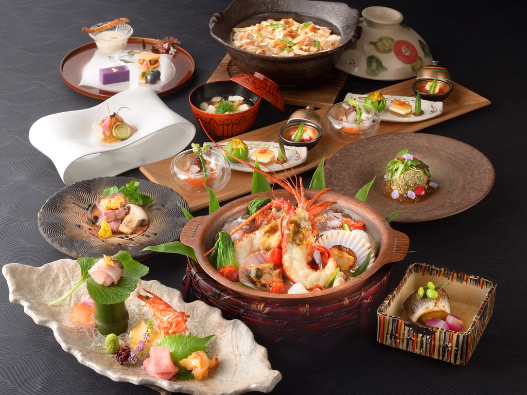 【ご夕食】 山懐石 (※写真は9〜11月の料理イメージとなります)