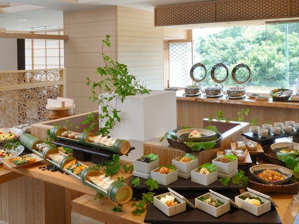 【ご朝食】伊勢志摩の恵みを堪能! 和洋ブッフェをご用意 ※写真はイメージです