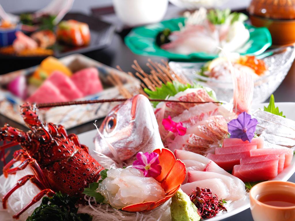 【四季の逸品会席】旬の食材を散りばめた島の逸品会席※シーズンにより内容が異なります(イメージ)