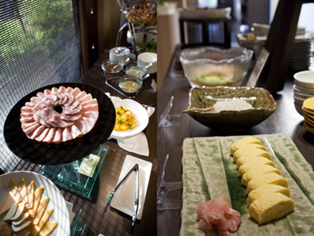 朝食は和洋充実のビュッフェ形式(旬房「淡悦」にて)