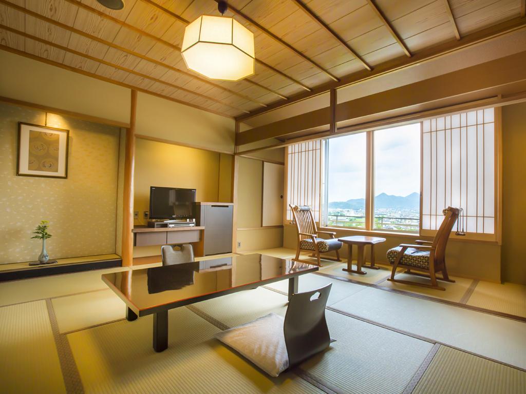 【富士見台】和室/讃岐平野側(一例)