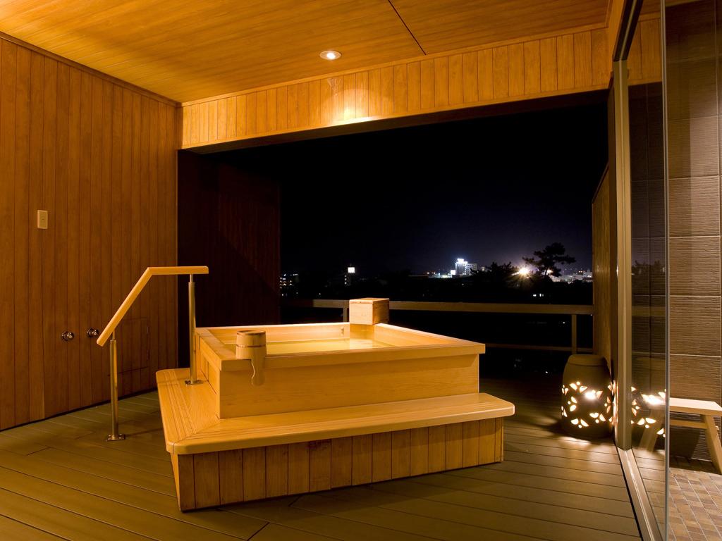 【貸切露天風呂なごみ湯】琴平の町の夜景と湯浴みを楽しむ