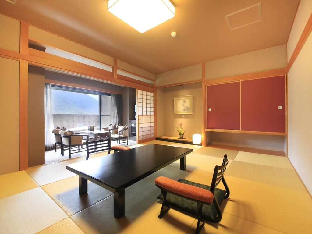 【大文字側】専用露天風呂付+和室12畳特別室「翠星」