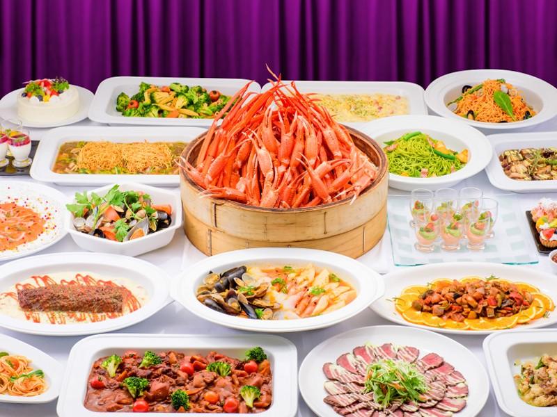 【ディナービュッフェ】前菜からスイーツまで、多彩な料理が食べ放題!