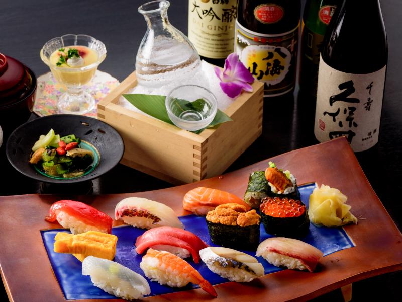 ウニ・トロなどを含めた12貫の贅沢寿司膳