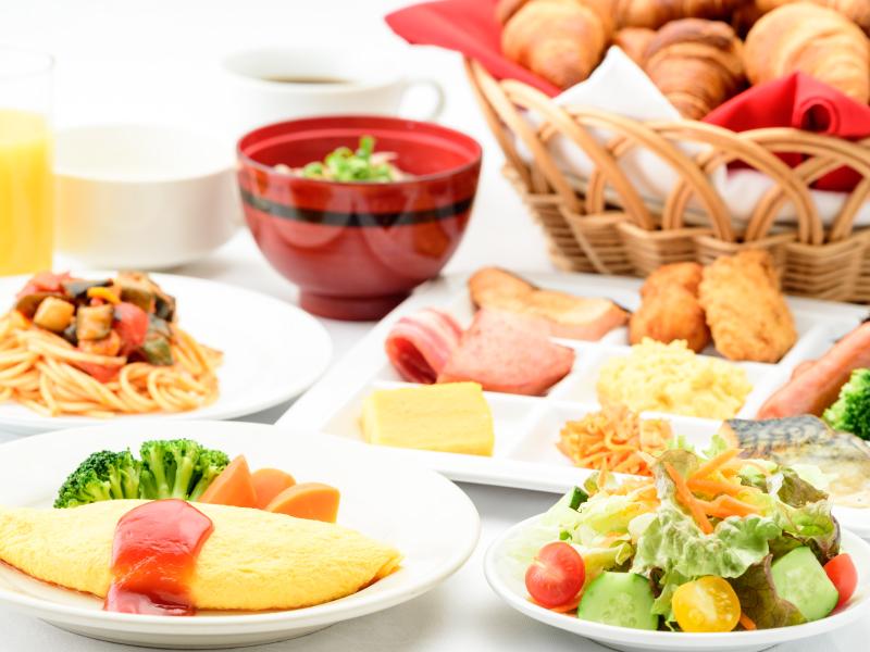 リニューアルした朝食バイキング!ライブキッチンで作る出来たてオムレツも登場!
