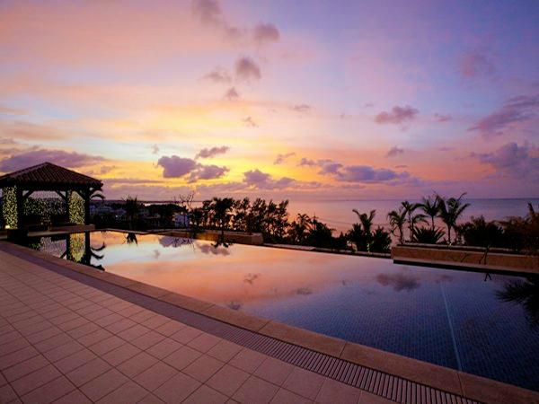 夕日に染まる空を眺めながらのんびりとお過ごし下さい。