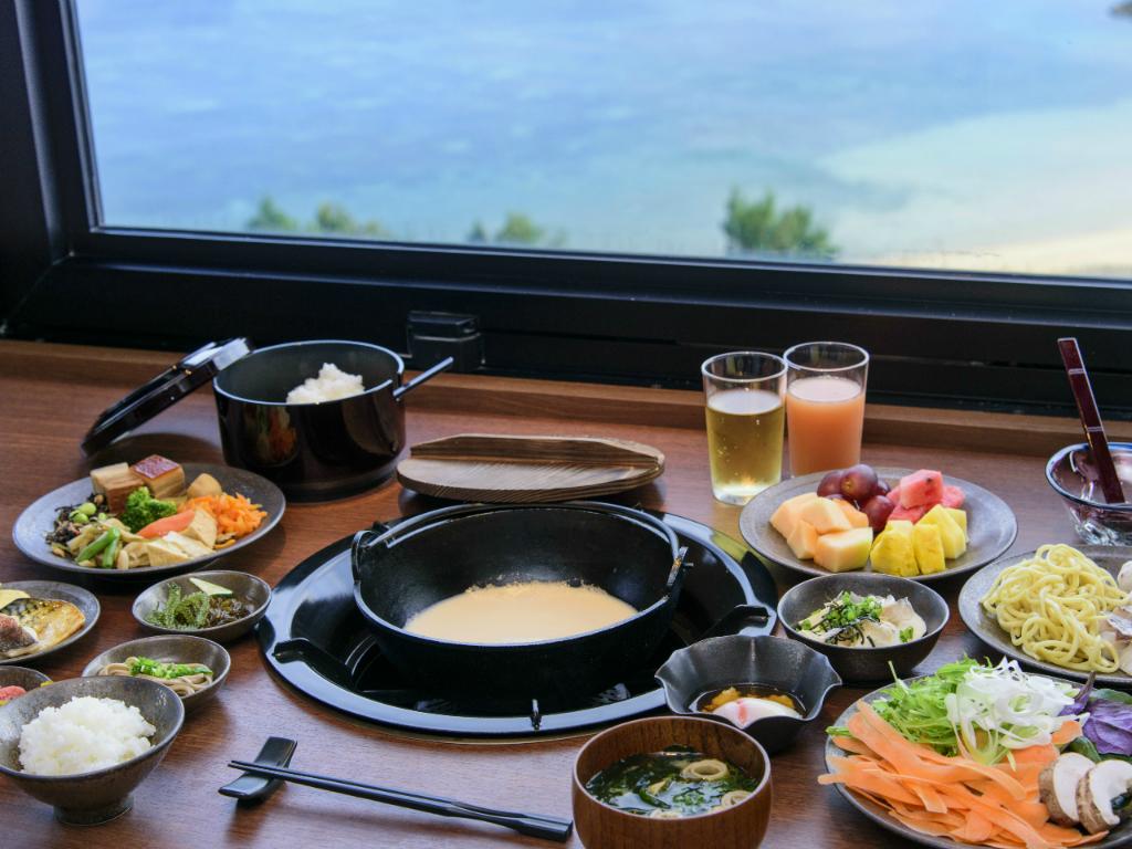 ご朝食は、和食・洋食のレストラン会場が選べます。