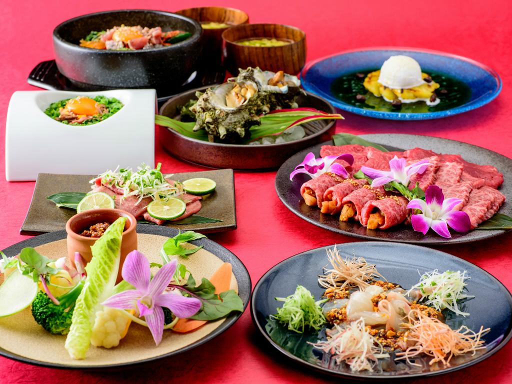 県産和牛をはじめ、沖縄の新鮮な食材をふんだんに使った料理はどれも満足できる食べごたえです。