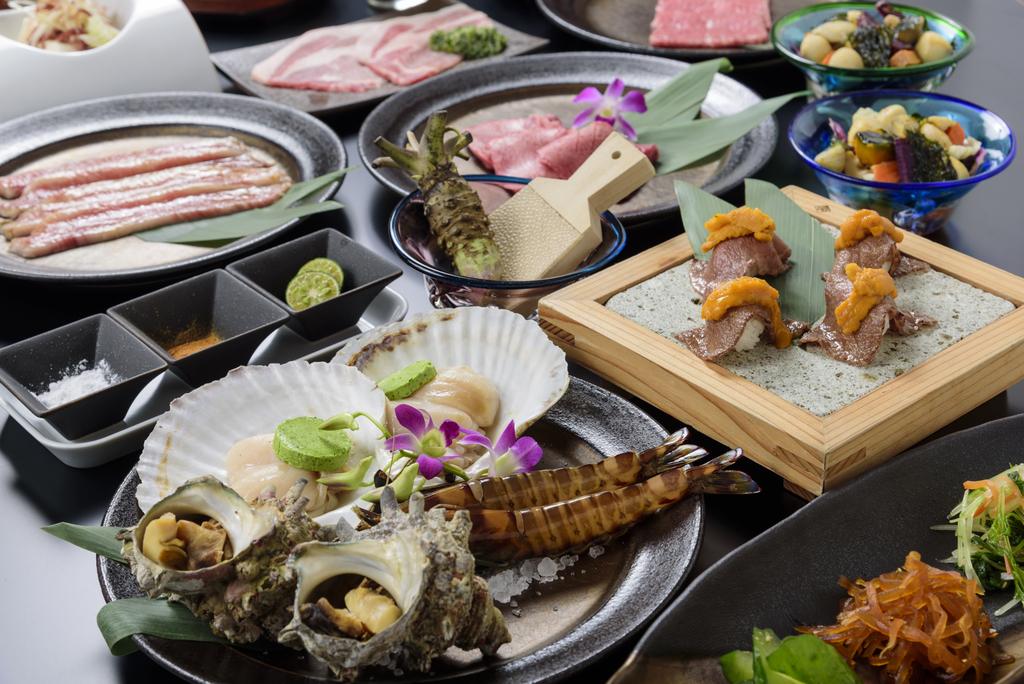 【アネックス棟 最上階 琉球BBQ「Blue」】雄大な海を望みながら、ディナーをお楽しみください。※画像イメージ