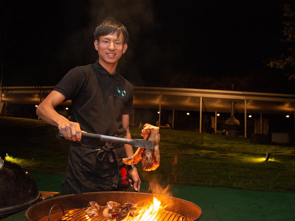 *【森とリルのBBQフィールド】焼きたてをとにかくおいしく楽しんでいただきたい。心を込めて調理。