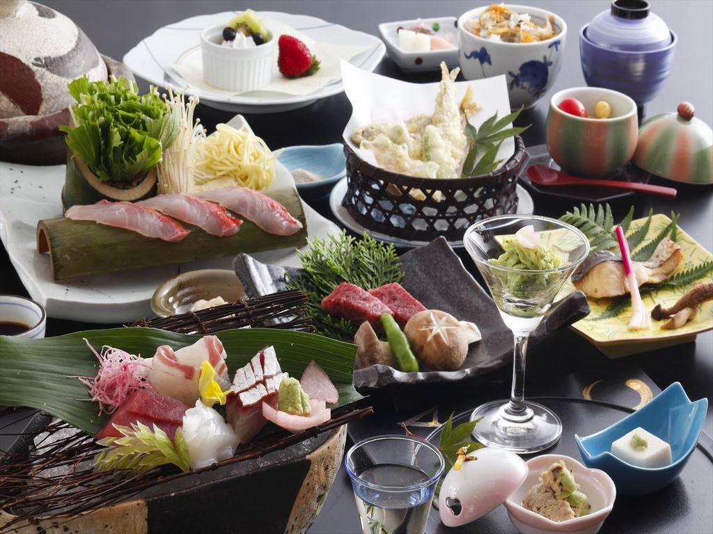 季節の素材を取り入れた会席料理をお楽しみ下さい。(画像は3月〜5月のイメージです)