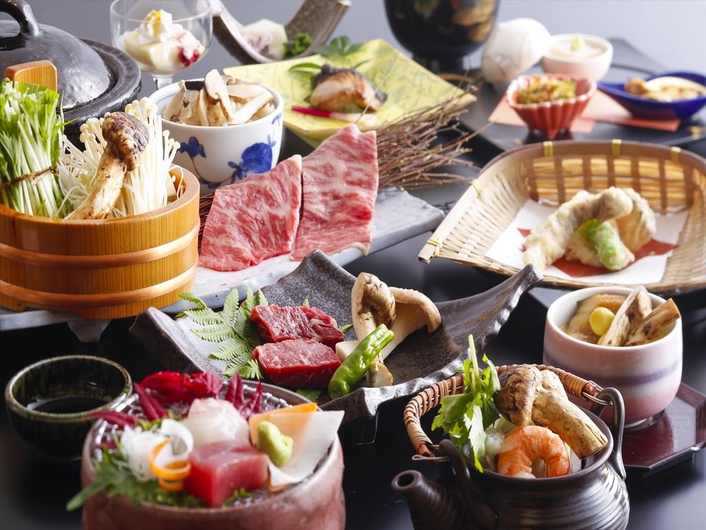 温泉旅館で秋の味覚を食す〈松茸会席スタンダード〉