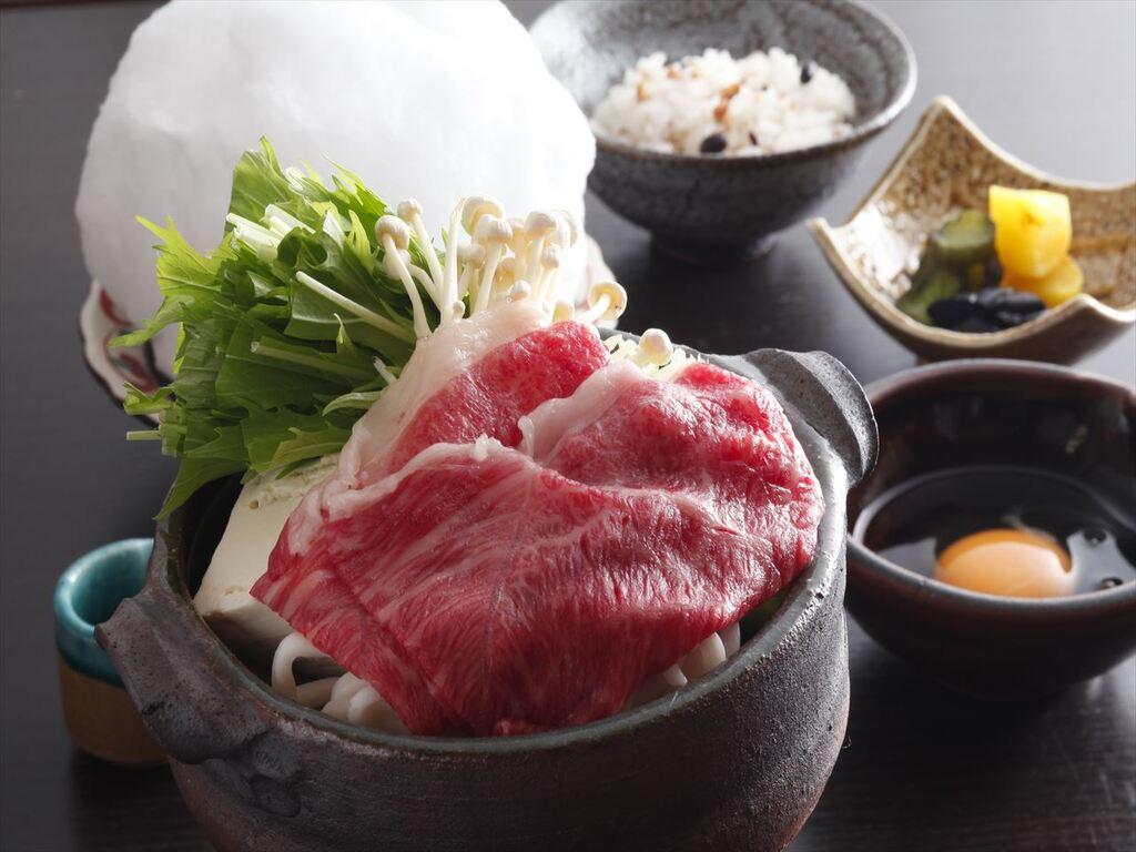 高品質の姫路和牛を夢乃井風すき焼きでお召し上がり頂けます