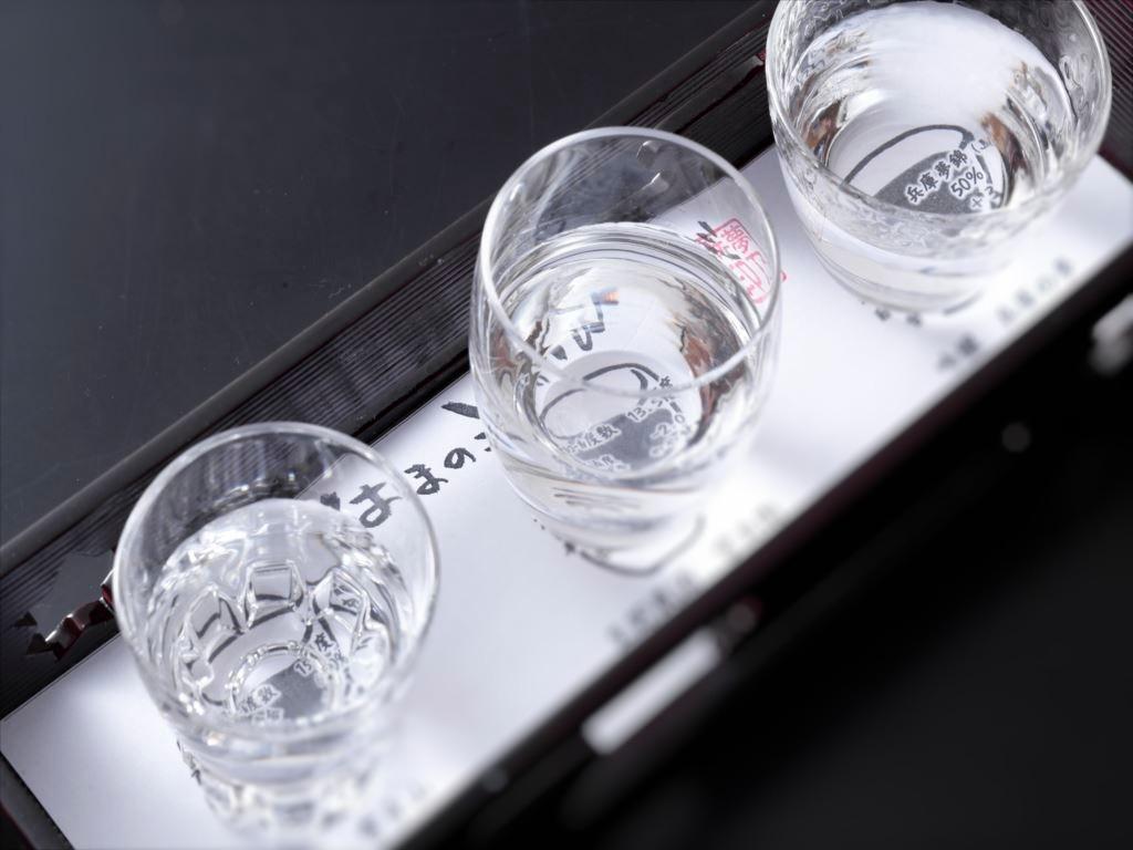 はりまに所縁のある日本酒を、夕食時にぐいのみで各50�tづつご提供。