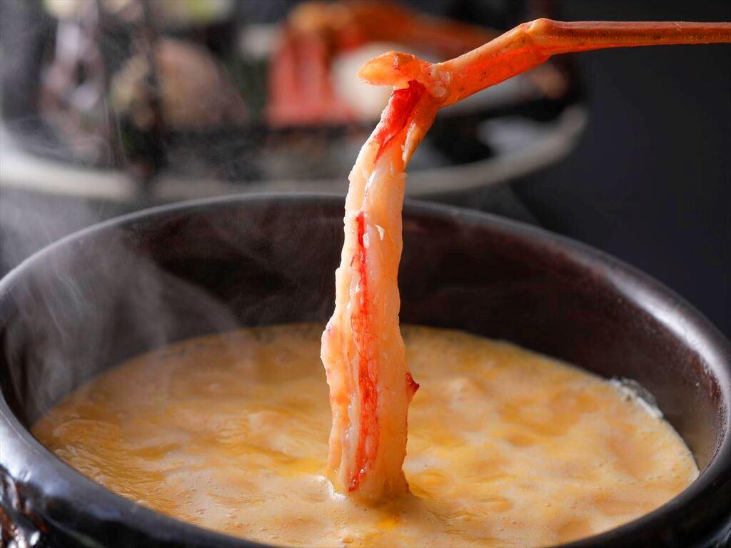 濃厚うにスープに旬の海鮮をしゃぶしゃぶ