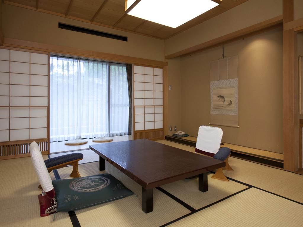 茜染(10畳タイプ)客室例