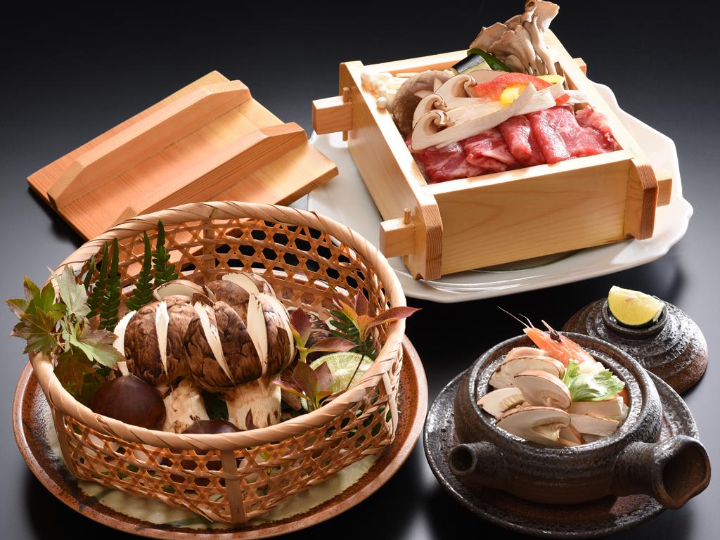 旬の松茸料理をお楽しみください。