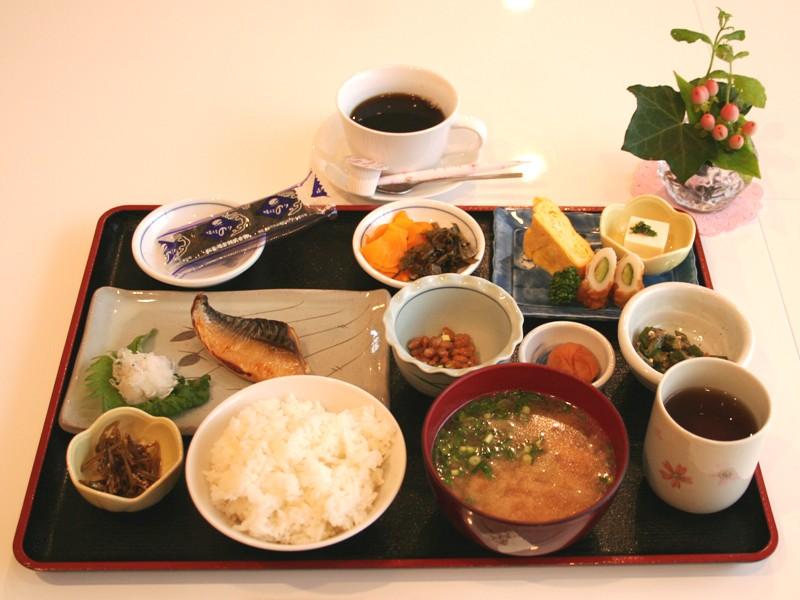 和朝食の一例です