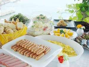 小倉ベイホテル第一の朝食は爽やか朝を演出します♪最上階10階で海を眺めながらご堪能下さい。