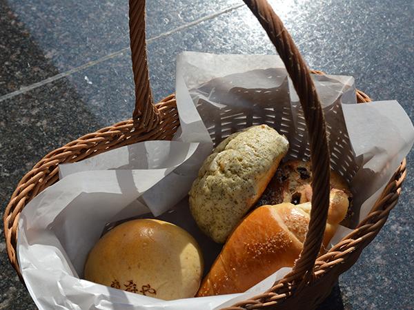 「Bekary&Table東府や」特製パンのお土産