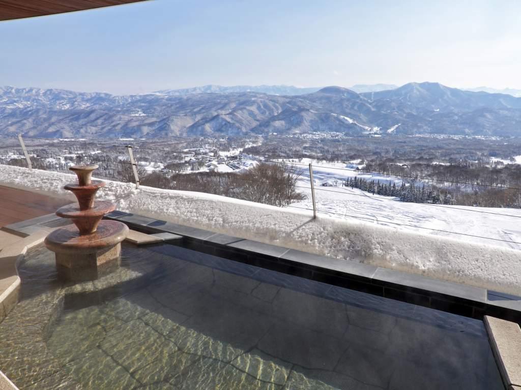 温泉大浴場 露天風呂(女性) 雪景色