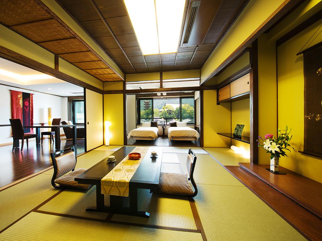 """■スイートA■宮島の四季を贅沢に楽しめるお部屋。お好みの""""落ち着く場所""""を探してみてください"""