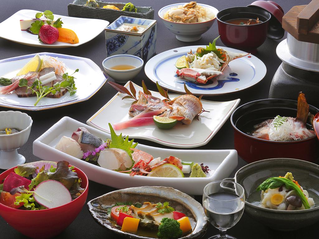 """本物の""""美味""""を味わいたい方へ—。冬しか出逢えない【瀬戸内海の豊かな恵み】をたっぷりご用意しました。"""
