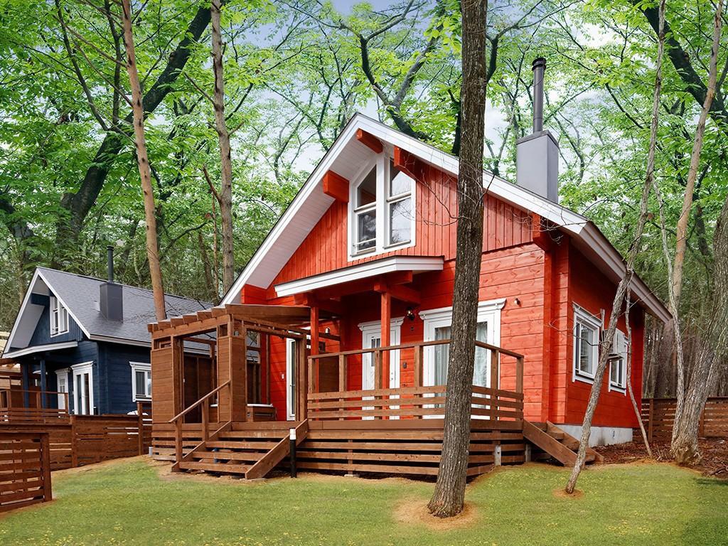 木立の中のログハウスに滞在♪