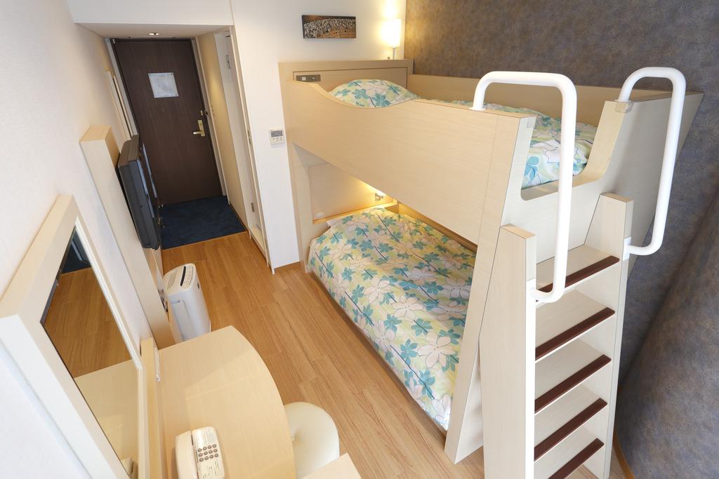 ダブルデッカールーム(2段ベッド)一例