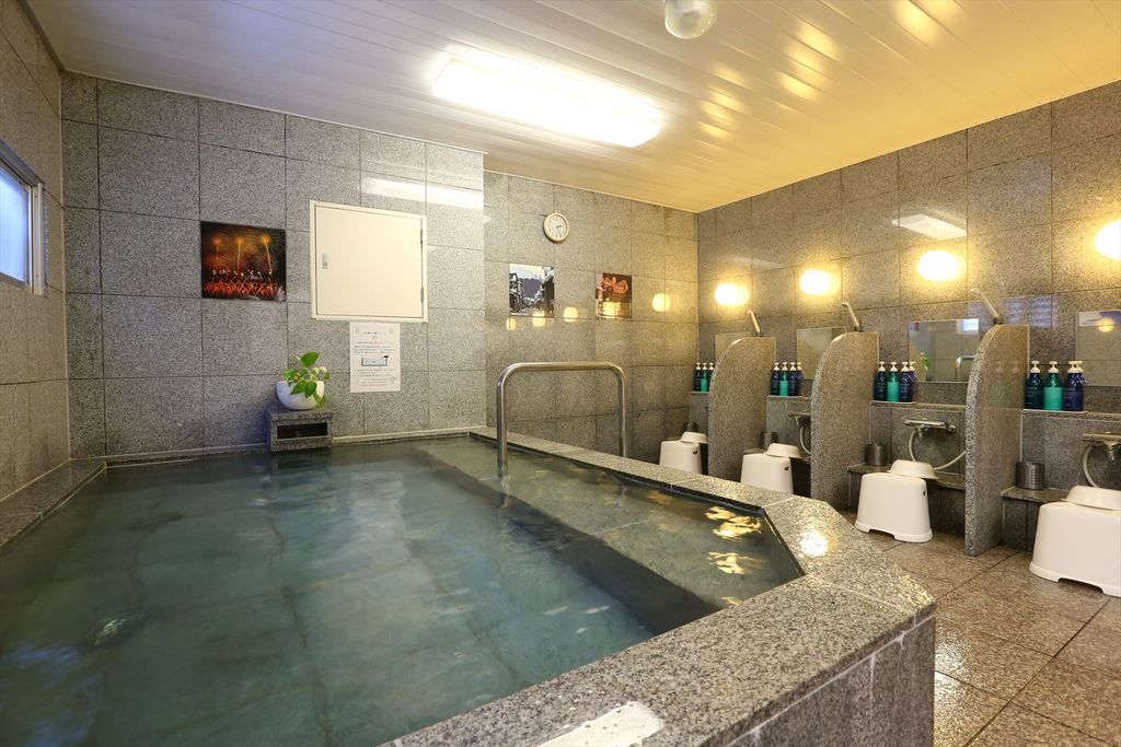 男女別浴場【ご利用時間】16:00〜25:00、5:00〜9:00