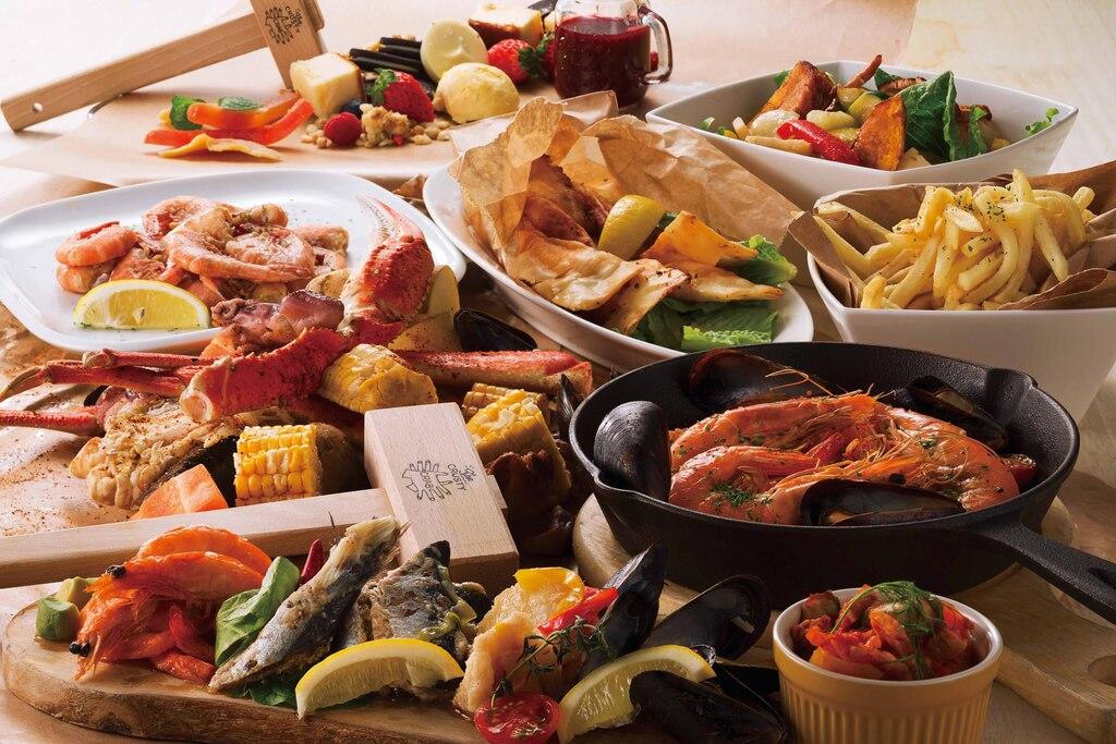 【夕食例】蟹もお肉もたっぷりのコースです!