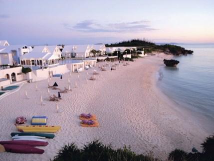 プリシアリゾート前のビーチ