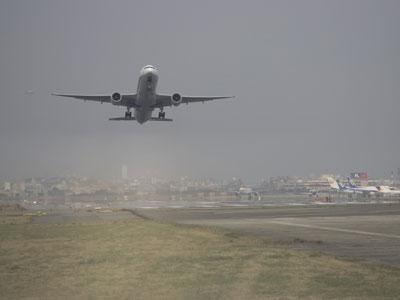 【福岡空港へのアクセス抜群の立地】提供:福岡市