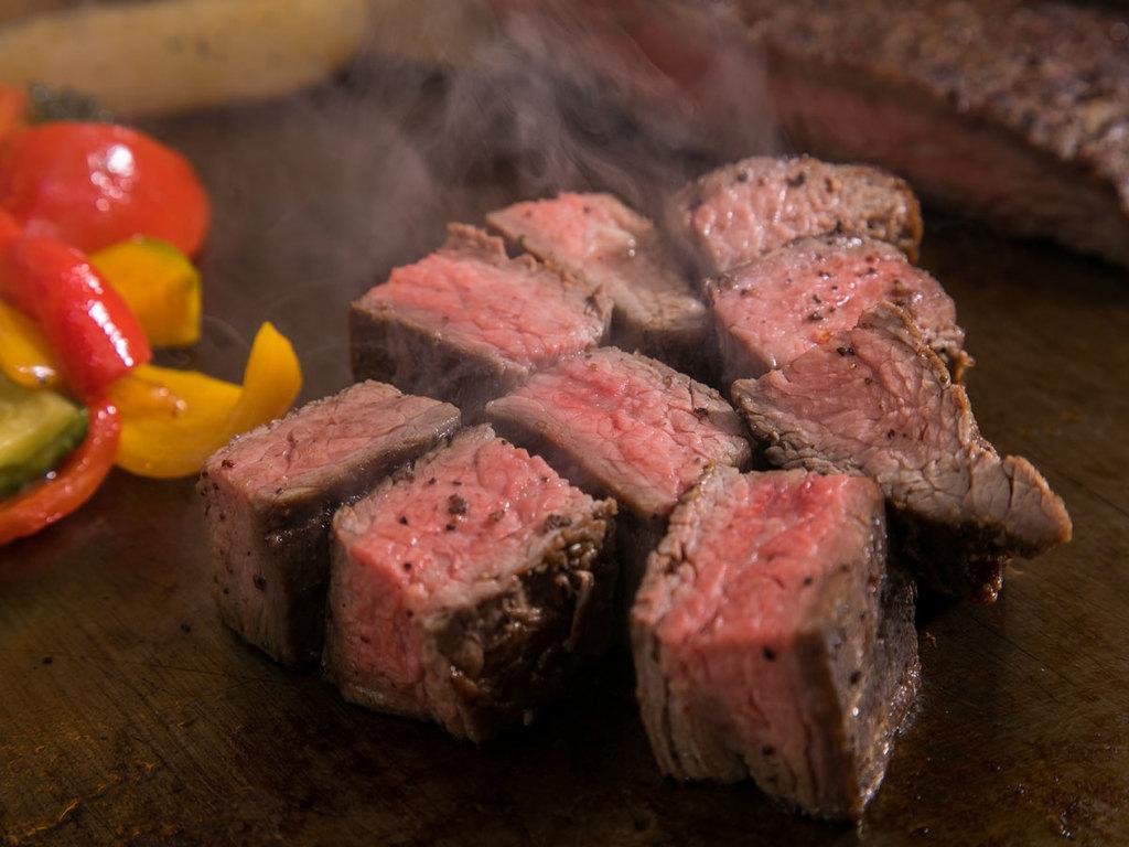 牛肉と野菜の鉄板焼き ※ご提供期間12/1-2/28