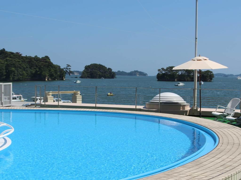 ガーデンプール 松島湾を眺めながらプールを満喫♪