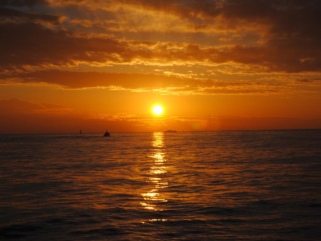 松島湾の初日の出クルーズ船からのながめ