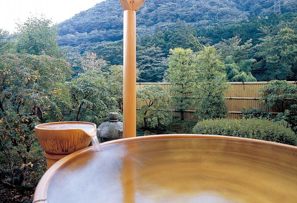 9階 みずきの間専用陶器露天風呂