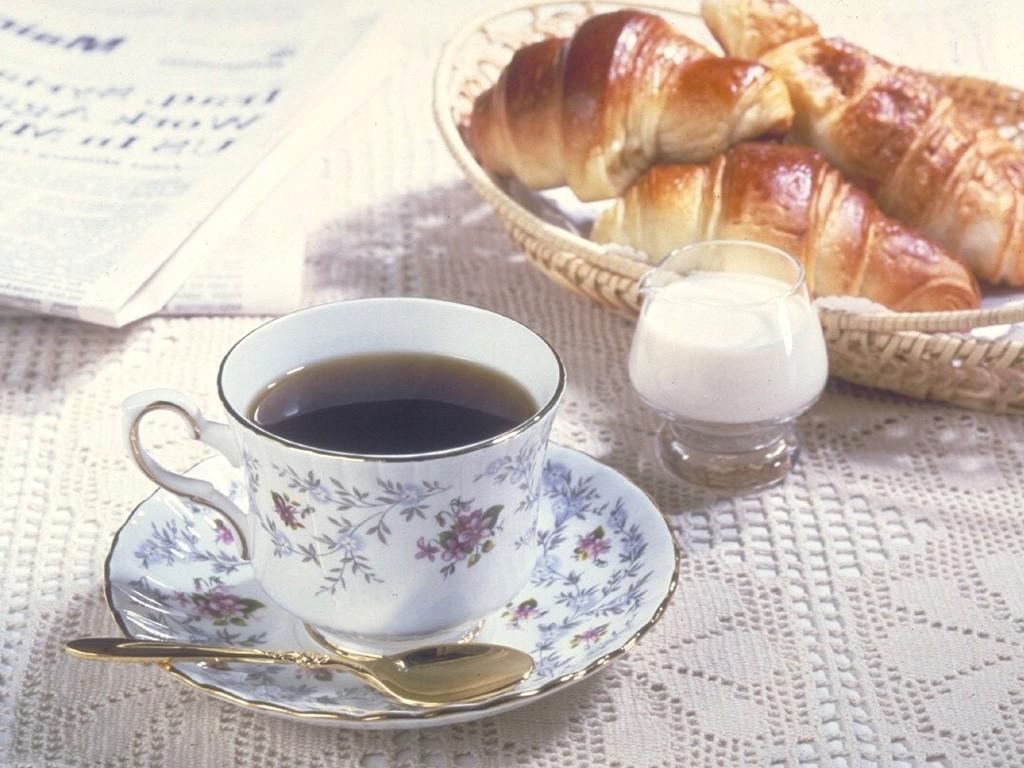 焼きたてパンと淹れたてコーヒーの香り豊かなひとときを。