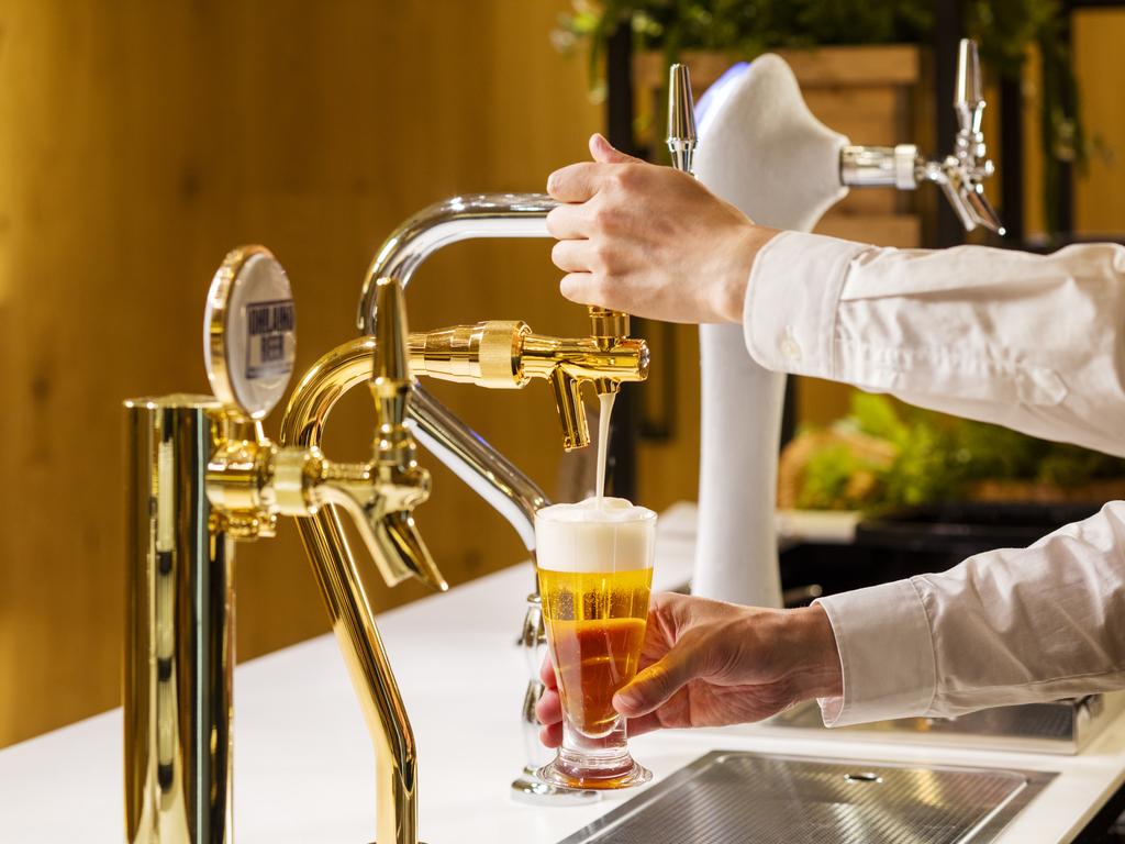 4種類のビールを飲み比べできます。