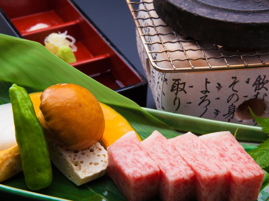 飛騨牛石焼ステーキ
