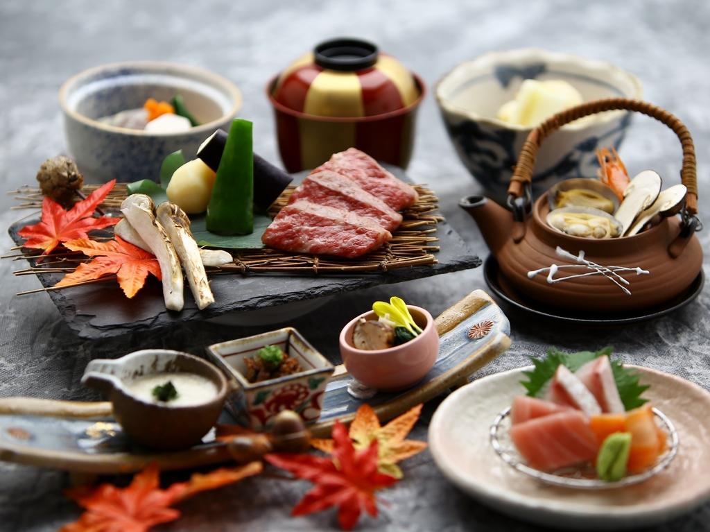 【9/10〜10/31限定】料理長厳選の「和牛」と秋の味覚「松茸」を味わう会席(料理イメージ)